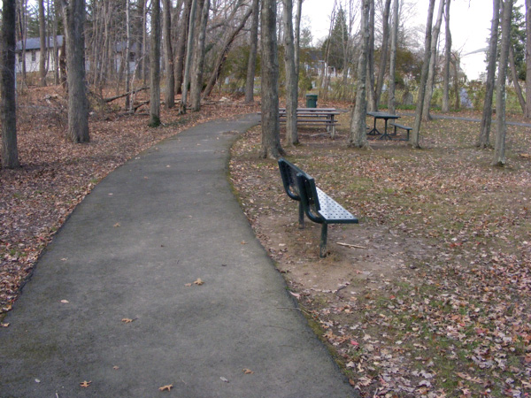 Jaycees Park - the paved path