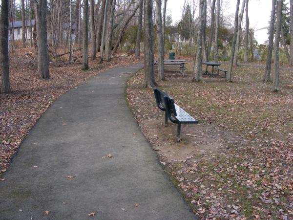 Jaycees Park - the paved path