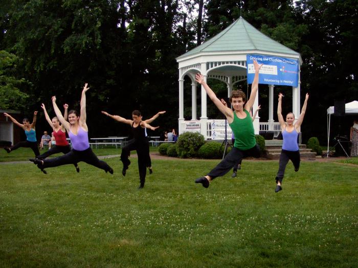 Dance dancers dance!