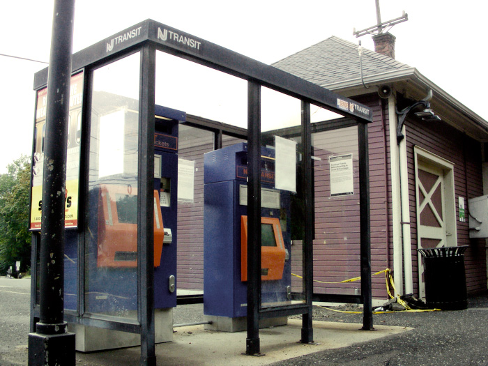 New Providence train station (New Jersey Transit)'s new ticket machines