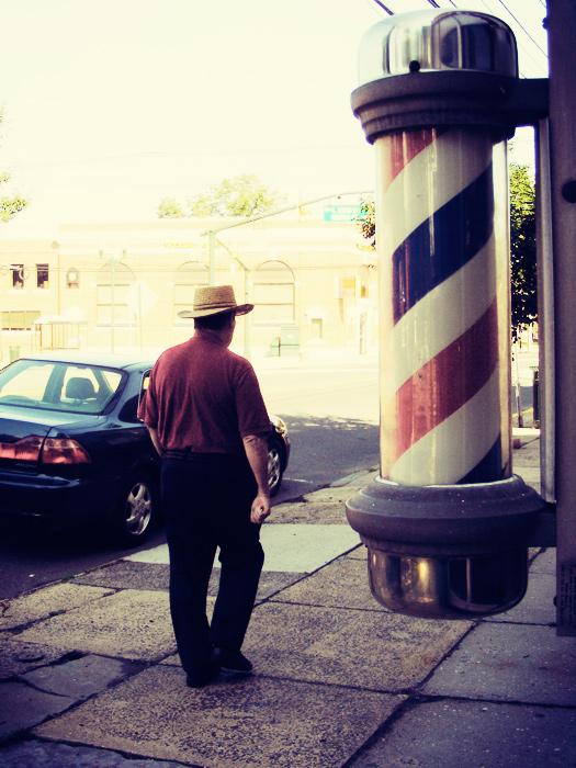 Walkin' by the barbershop, yessir