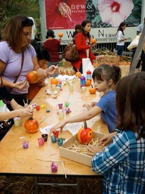 Paintin' pumpkins