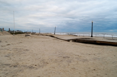 Ocean Grove boardwalk: crummy boards for walking