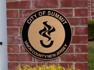 Summit emblem 04