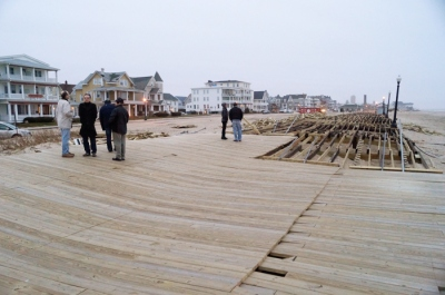 Ocean Grove boardwalk: not really open, but not exactly closed (January 2013)