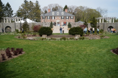 Greenwood Gardens: Main house and main lawn